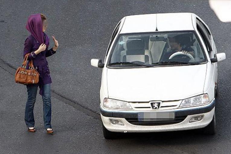 آزار خیابانی زنان